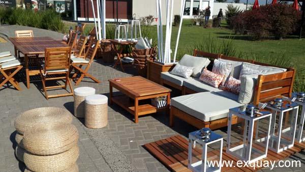 Muebles de exterior de madera de eucaliptus, maciza y renovable con